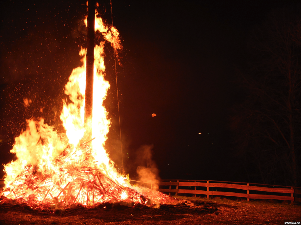 Osterfeuer_2015
